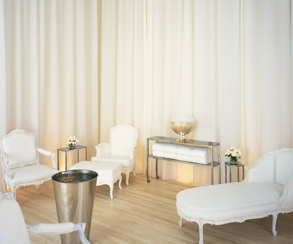agua Bathhouse and Spa at Sanderson Rooms & Dining
