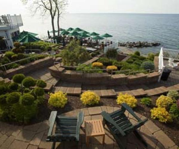 The Lakehouse Inn & Winery Rooms & Dining