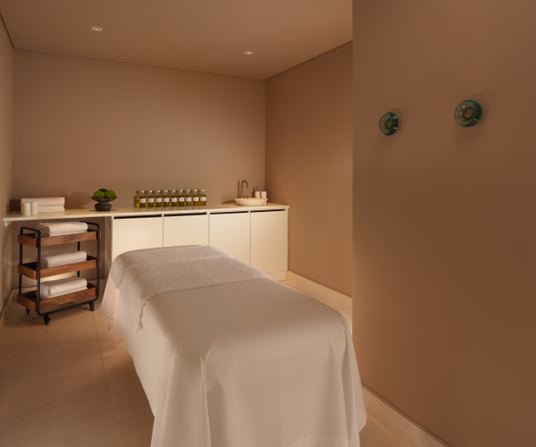 agua Bathhouse & Spa at Mondrian London Rooms & Dining