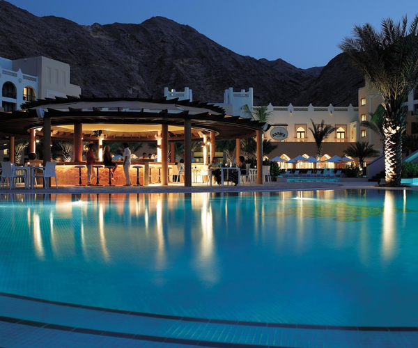 Shangri- La's Barr Al Jissah Resort & Spa Rooms & Dining